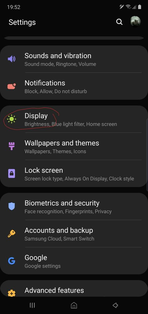 Choose display in settings.
