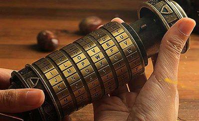 Da-Vinci-Code-Mini-Cryptex.jpg