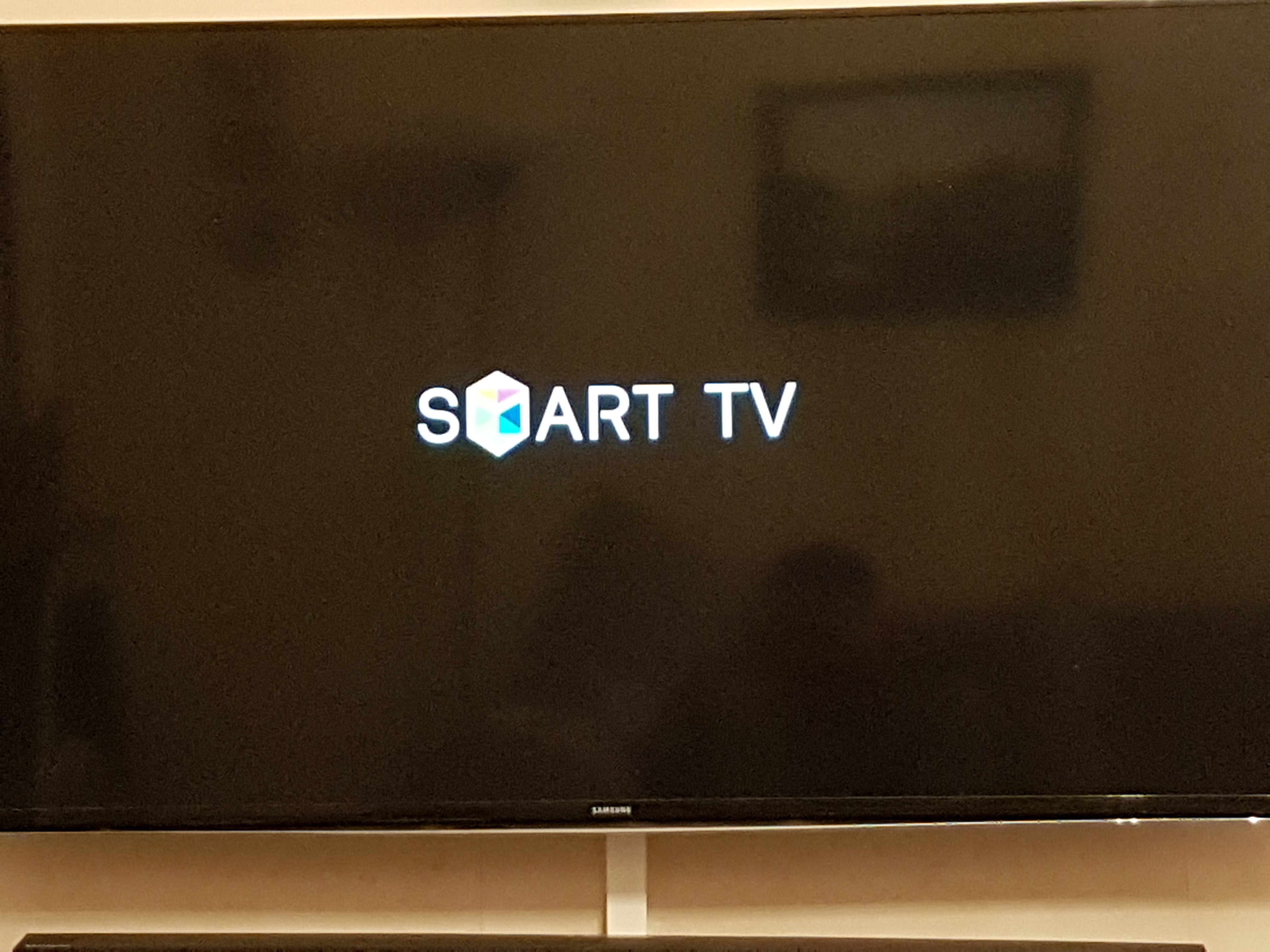 samsung smart tv stuck on start screen logo - Samsung Community