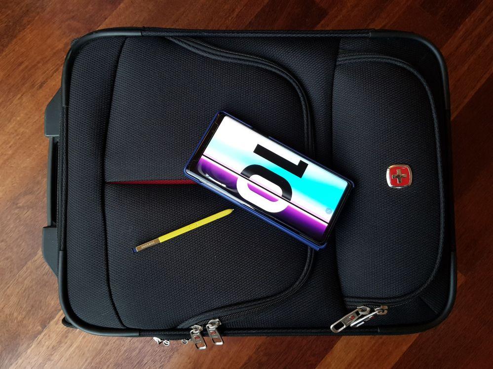 Galaxy-Unpacked-plecak.jpg