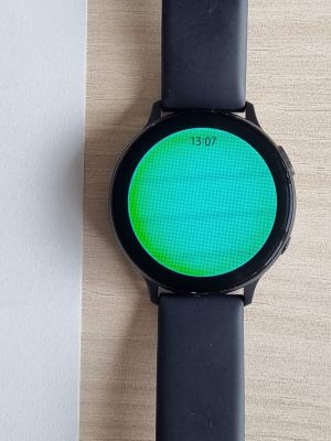 Galaxy Watch Active 2 in flashlight mode