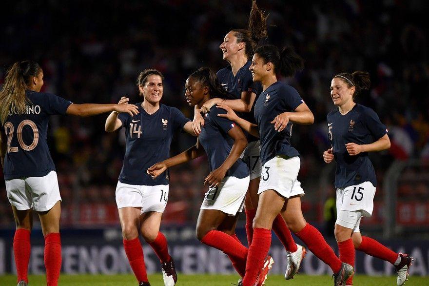 7797748939_l-equipe-de-france-feminine-de-football-face-a-la-chine-le-31-mai-2019-a-creteil.jpg