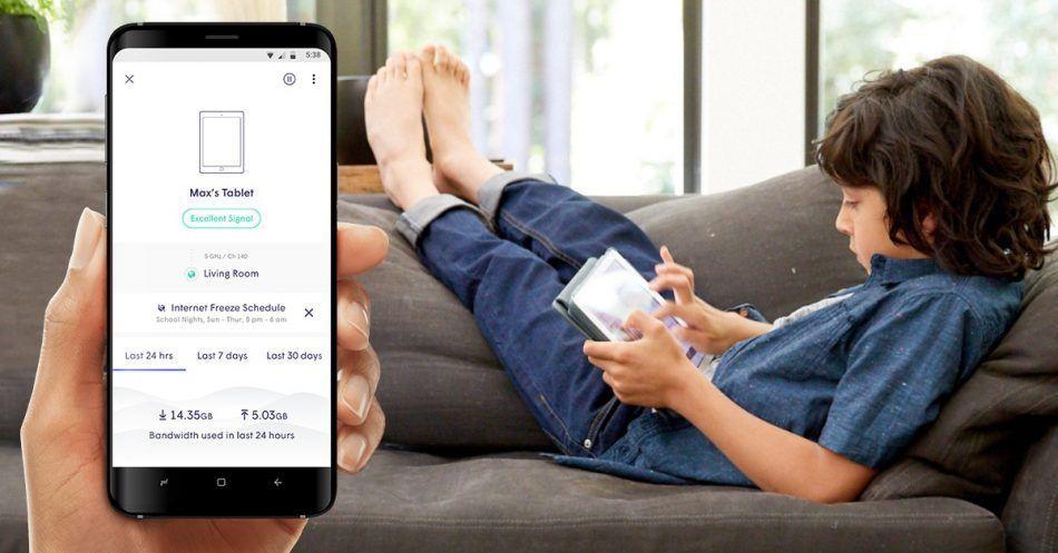 smartthings-wifi-FB-v11-Max-on-sofa-950x497.jpg