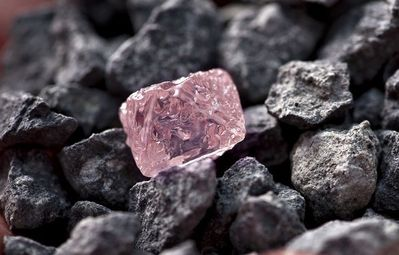 Rare-pink-diamond-discovered.jpg