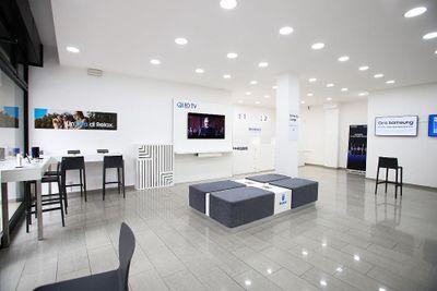 Apre a Bologna il Samsung Customer Service