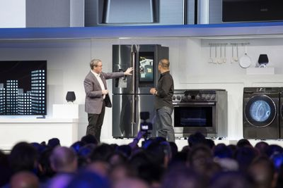 CES2019_Samsung_Press__Conference_Familly_Hub_2019_Connected_Home_Demo-1024x683.jpg