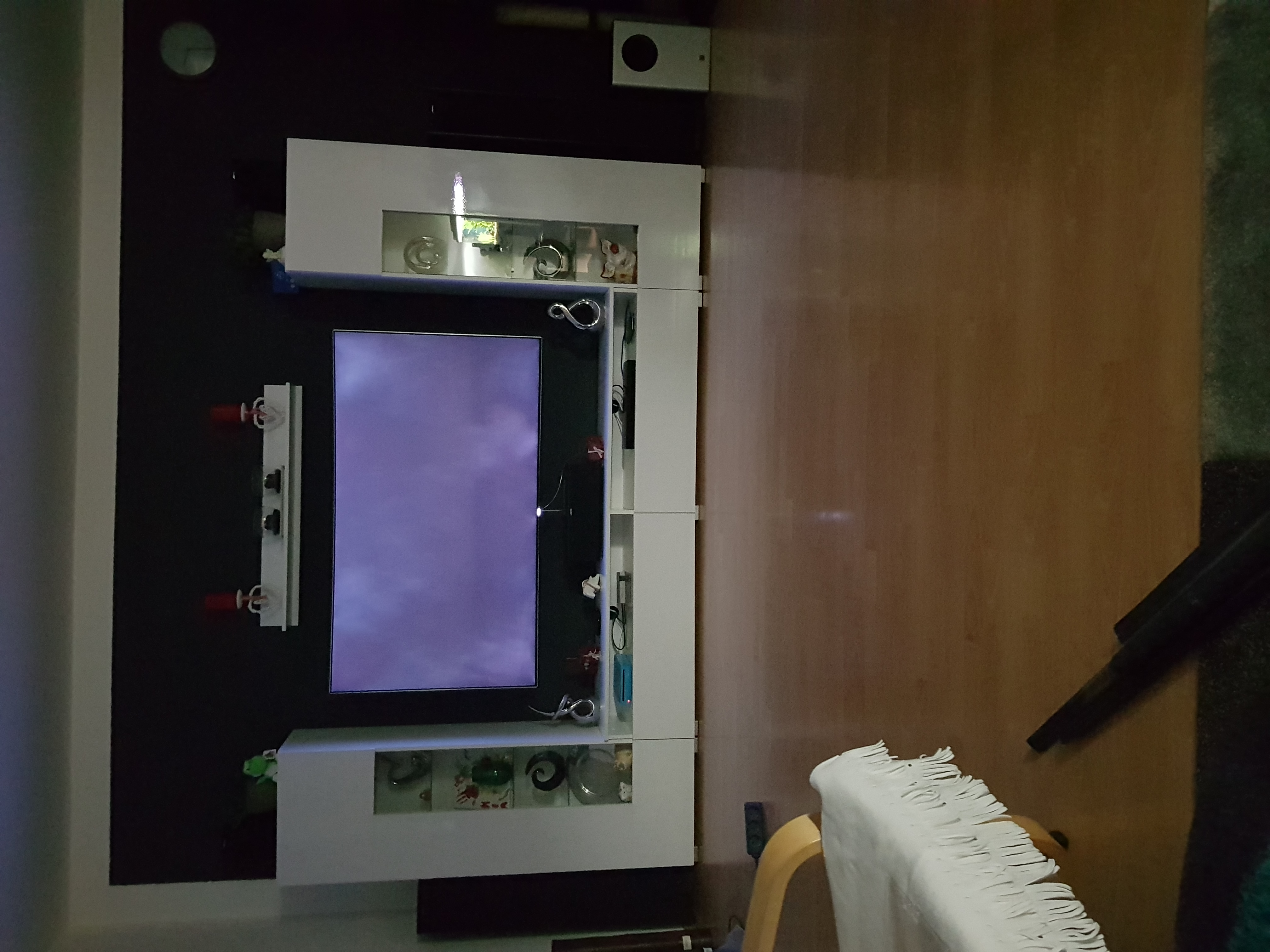 q8c 65 samsung clouding nach penneltausch samsung community. Black Bedroom Furniture Sets. Home Design Ideas